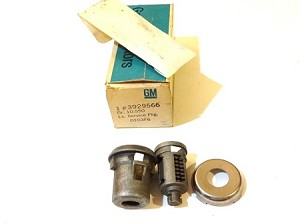 68 GM DOOR LOCK KIT NOS