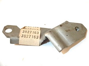 68-69 CHEVY CARB SOLENOID BRACKET NOS