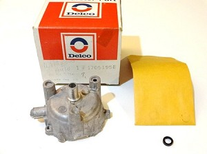 75-78 GM CHOKE HOUSING KIT NOS